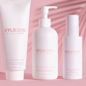 Kylie Skin by Kylie Jenner Summer Body bundle